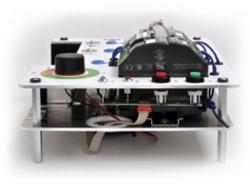 Demokoffer mit Elektronik in mehreren Layern